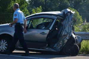 Mit tegyek, ha külföldön ér közúti baleset és külföldi a károkozó?