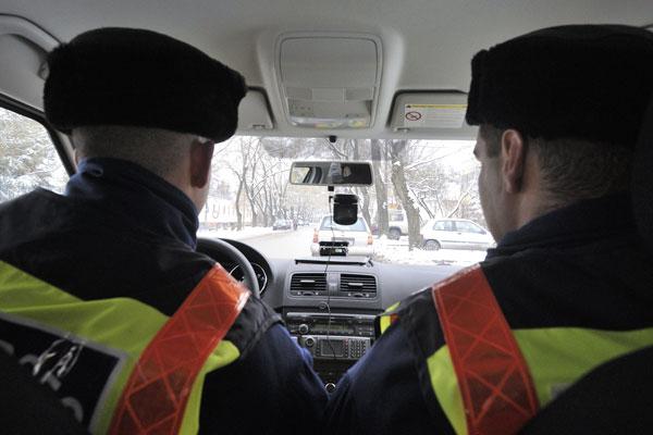 Újabb rendőrautókba szerelnek kamerákat. A rendőrök az eszközökkel bűncselekményeket, szabálysértéseket és a rendőri intézkedések jogszerűségét is dokumentálni tudják.