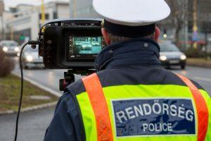 A rendőrség már az utakon teszteli a mindent látó traffipaxokat. itt a traffipax, hol a traffipax?